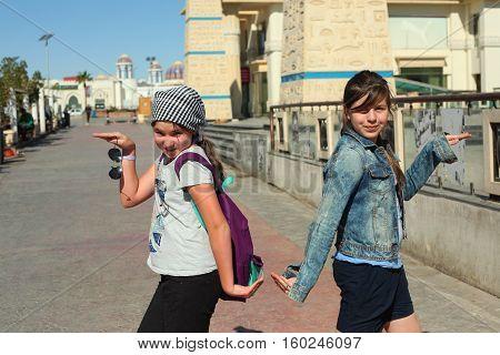 Teenager Tourist European Girls In Egypt