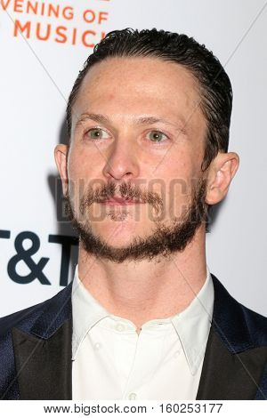 LOS ANGELES - DEC 4:  Jonathan Tucker at the TrevorLIVE Los Angeles 2016 at Beverly Hilton Hotel on December 4, 2016 in Beverly Hills, CA