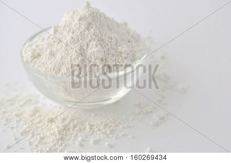 Kaolin clay white powder cosmetic grade for face mask and spa treatments