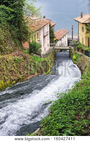 Fiumelatte Lago di Como (shortest Italian river)