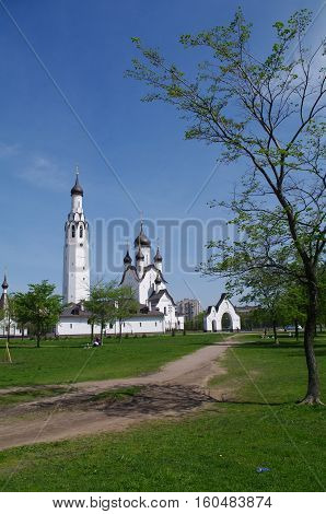 SAINT PETERSBURG RUSSIA - MAI 18 2014: a Church of St Peter the Apostle in the middle of a park in St. Petersburg