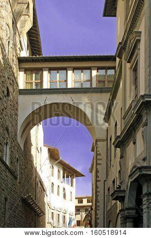 Florence, Uffizi Museum exterior, Vasari Corridor
