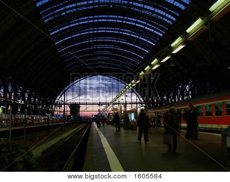 frankfurt central railway station