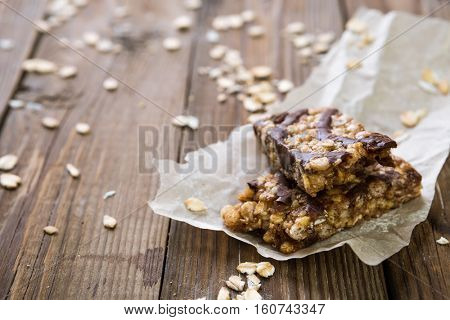 Muesli bars with milk chocolate