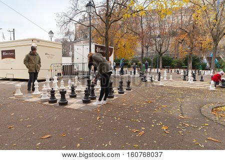 People Play Street Chess, Geneva