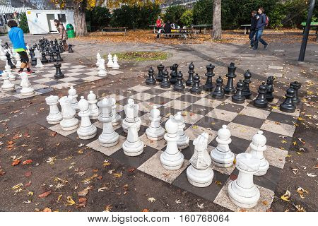 Traditional Oversized Street Chess