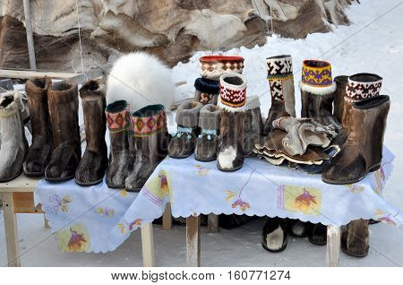 Nenets felt boots are selling in the winter street