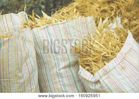 corn husk garbage can use animal food