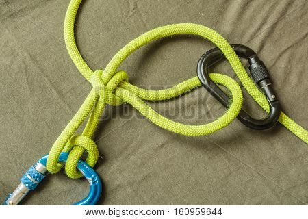 Overhand Knot With Draw-loop (halter Hitch).