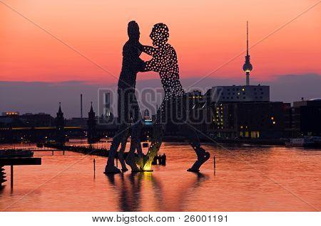Molecule Men Skyline Berlin