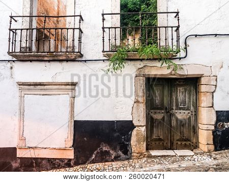 Old Abandoned Building In The Old Town Of Estremoz In Alentejo Region, Portugal.