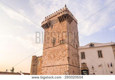 Estremoz, Portugal - August 23, 2018: Old Town Of Estremoz (castelo Da Rainha Santa Isabel) With Tre