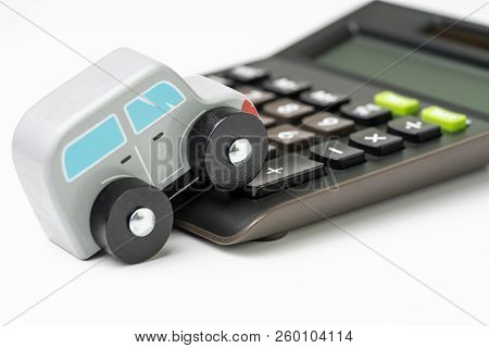 Car Maintenance, Leasing, Loan Or Insurance Money Cost And Expense Calculation Concept, Miniature Cu