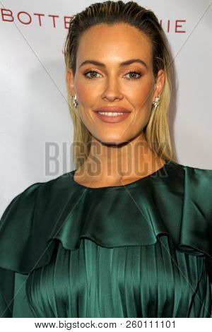 Peta Murgatroyd arrives at the 9th Annual Face Forward Gala at the Beverly Wilshire Hotel in Beverly Hills, CA on Sept. 22, 2018.