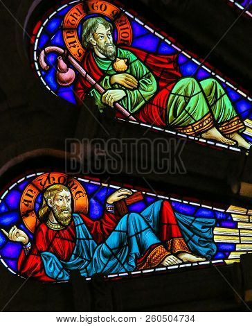 Saint Thomas And Saint James - Stained Glass In Viana Do Castelo