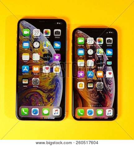 Paris, France - Sep 27, 2018: Apple Computers Ios 12 Home Screen On Iphone Xs And Xs Max As Hero Obj