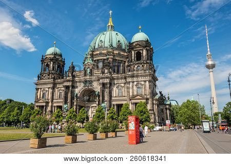 Berlin, Germany - May 28, 2017: View Of Berlin Cathedral Or Berliner Dom At Lustgarten Park With Fam