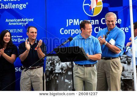 Steve Tasker of the Buffalo Bills at JP Morgan Chase Corporate Challenge, Buffalo, NY 6/9/2006