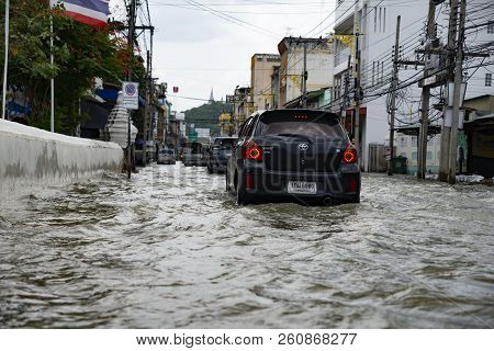 Phetcharburi, Thailand - August 23, 2018 : Flood Situation In The City At Mueng, Phetcharburi, Thail