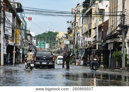 Phetcharburi, Thailand - August 22, 2018 : Flood Situation In The City At Mueng, Phetcharburi, Thail