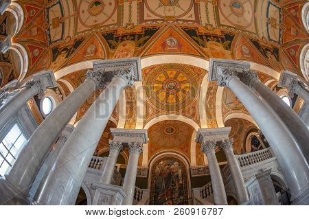 Washington Dc, Usa - September 4, 2018: Interior Of Library Of Congress In The Great Hall Of The Jef