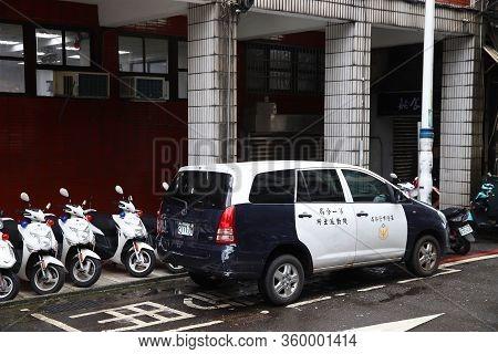 Keelung, Taiwan - November 23, 2018: Toyota Innova Suv Patrol Car Of Taiwanese Police In Keelung, Ta