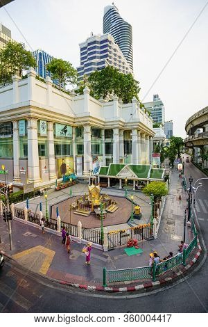Bangkok/thailand-april 5:ratchaprasong Intersection, Grand Hyatt And Erawan Shrine Close The Door Vi