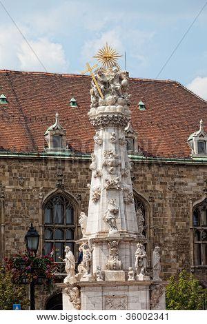 Plague columnFisherman Bastion on the Buda Castle hill