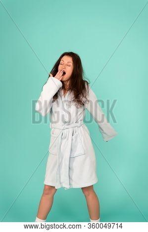 Want To Sleep. Hard Morning. Girl Sleepy Face Yawning. Insomnia Effects. Sleepy Woman Sleep Disorder
