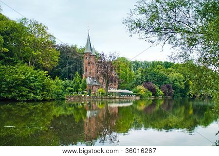 Minnewater Castle