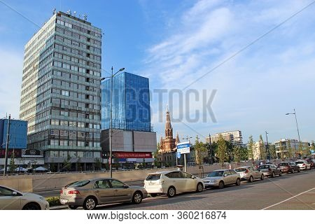Lodz / Poland. 03 August 2019: City Life In Lodz. Busy Traffic On Streets Of Polish City Of Lodz. Ce