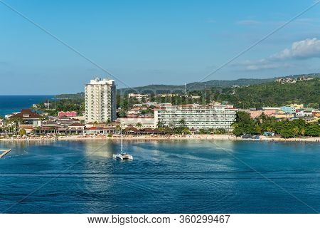 Ocho Rios, Jamaica - April 23, 2019: View From The Sea To The Beach And Tourism Area Of Ocho Rios, J