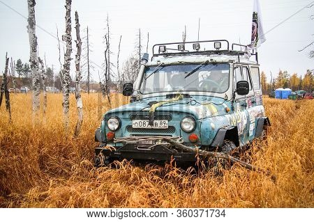 Novyy Urengoy, Russia - September 19, 2015: Off-road Vehicle Uaz 3151 Competes In The Annual Trophy