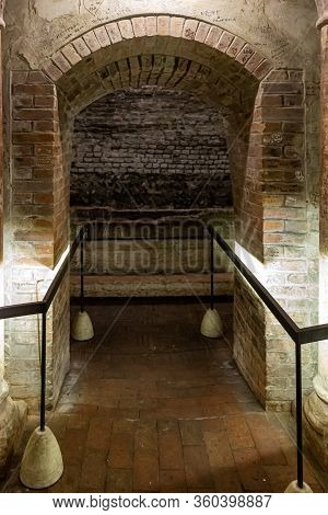 Verona, Italy, September 26, 2015 : The Basement With The Tomb Of Juliet In The Place Called Juliet