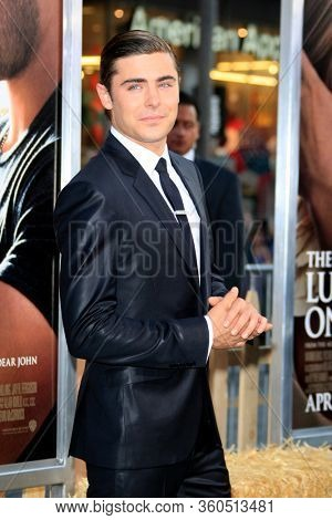 LOS ANGELES - APR 16:  Zac Efron  at the