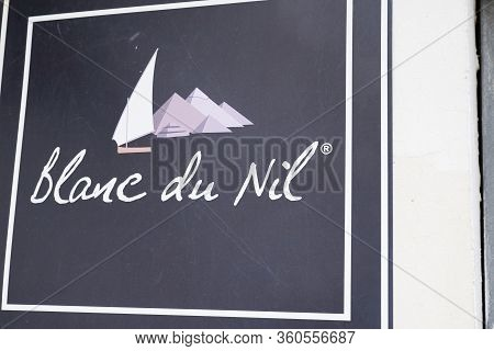 Bordeaux , Aquitaine / France - 02 21 2020 : Blanc Du Nil Logo Store Signage French Shop Chain Of Fa