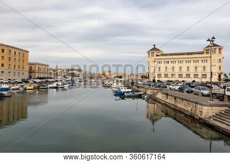 Siracusa, Sicily - February 13, 2020: The Cityscape Of Siracusa City, Sicily, Italy With Ortea Palac