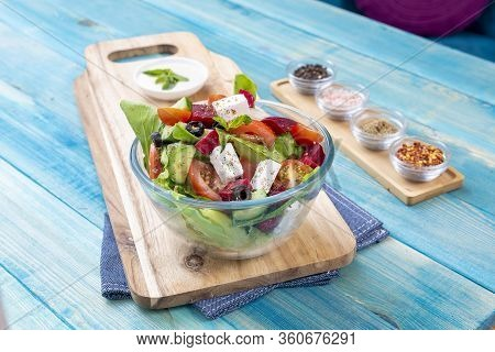 Mixed Vegetable Salads On Blue Wood Background - Mixed Gourmet Food , Mixed Healthy Food - Chicken S