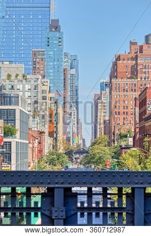 New York, Usa - October 2, 2018: View At West 19th Street Over The Fence Of The High Line A Elevated