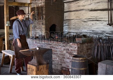 Upper Canada Village, Morrisburg, Ontario, Canada - October 17, 2019: Actors Play The Role Of Reside