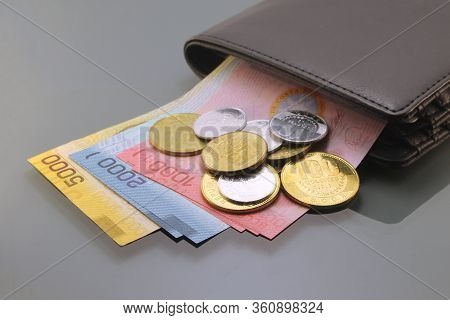 Costa Rica Money, Currency Of Costa Rica, Colones, Various Bills And Coins Inside A Wallet, Close-up