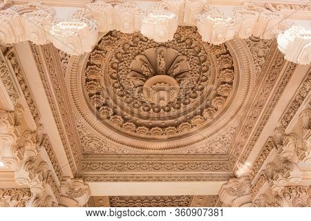 Chino Hills, California/usa - February 7, 2020:  Detail Of The Intricate Carvings In The Ceiling At