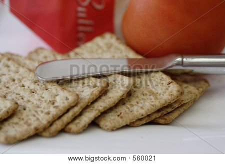 Crackers And Tomato