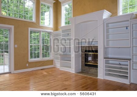 Unfurnished Greatroom in House