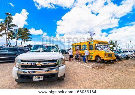 Gilligan's Beach Shack food truck in Waikiki