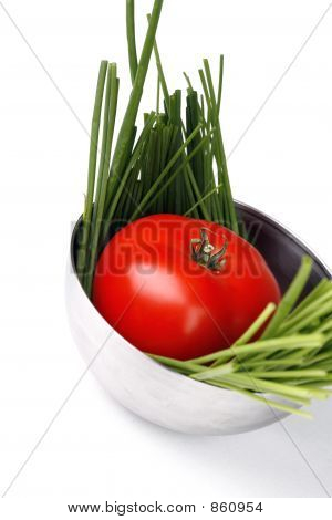 tomato and spring onion