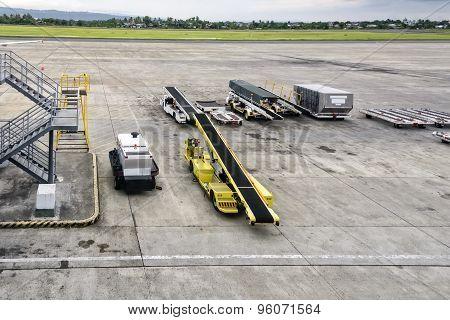 Tarmac Service Vehicles