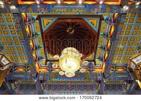 The roof art of Chinese temple very beautiful