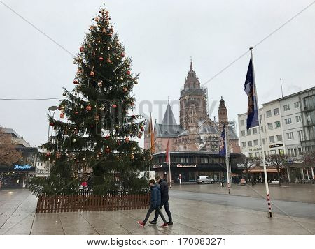 MAINZ - DECEMBER 7: Christmas Market in the Old Town on December 7, 2016 in Mainz, Frankfurt, Germany.