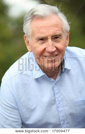 Portrait of smiling älteren Mann
